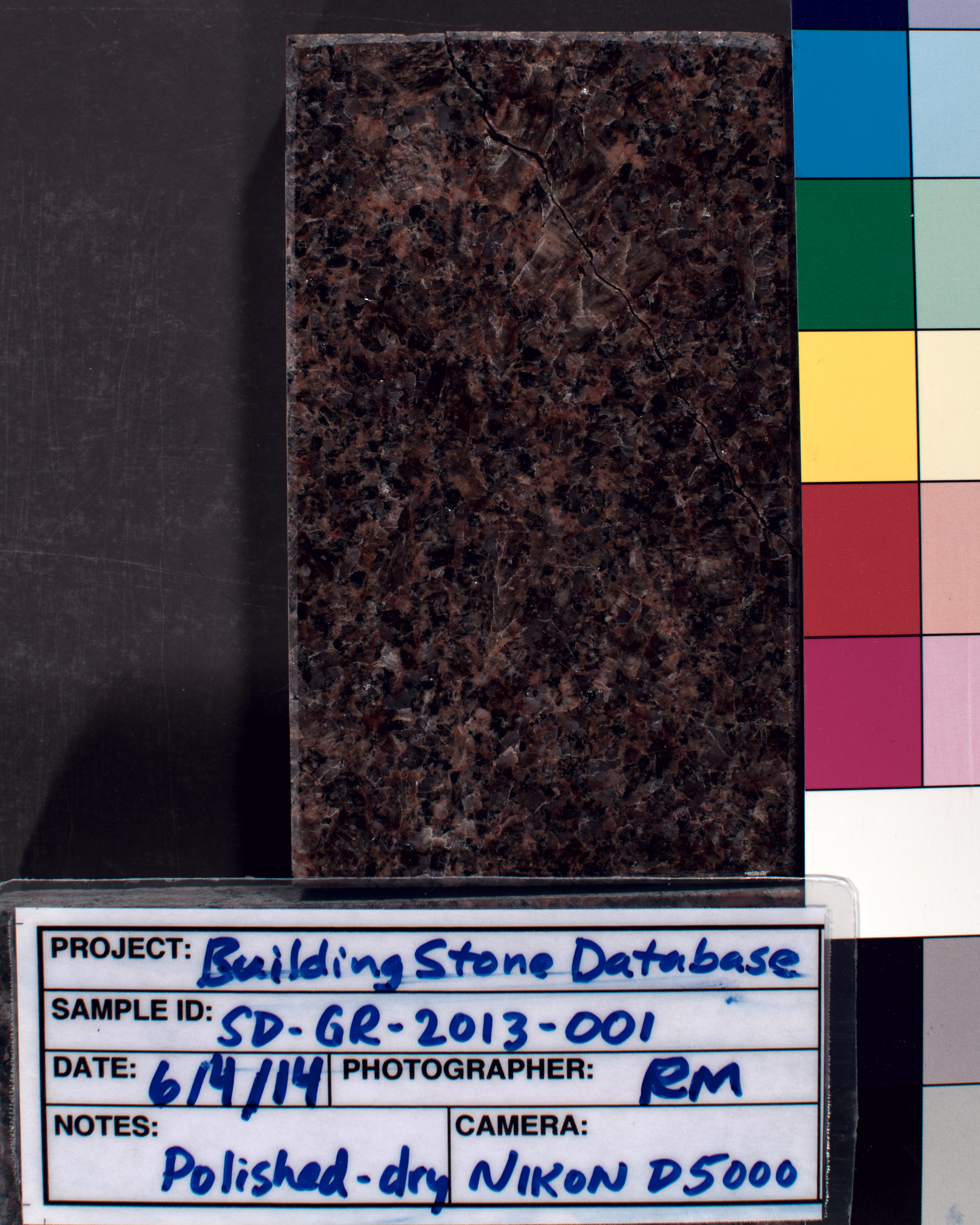 Image of specimen in dry conditions. Finish: Polished