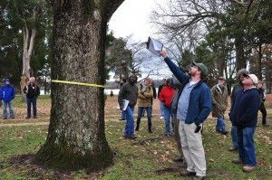 The Olmsted Center's Jamie McGuane instructs a tree preservation workshop in Fredericksburg, VA.