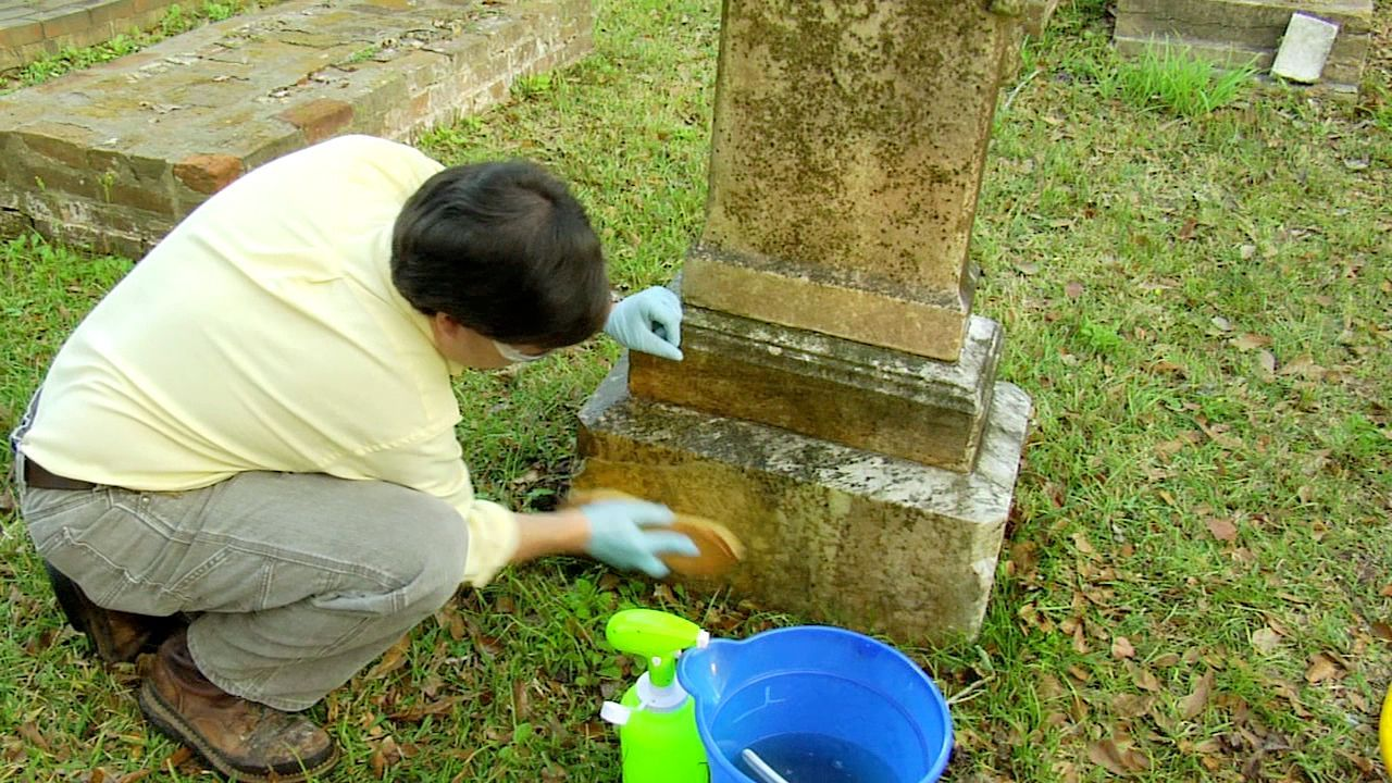 Ncptt Cleaning A Stone Grave Marker 2007 01