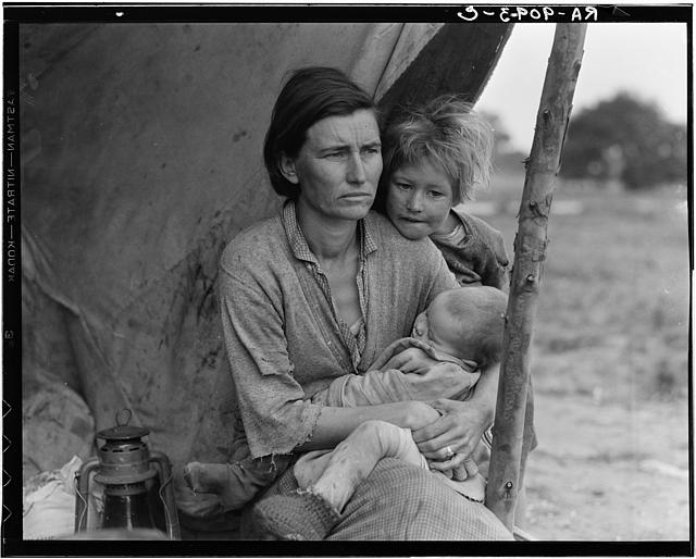Migrant Agricultural worker's family, 1936. Photograper: Dorthea Lange.