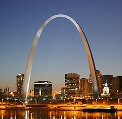 240px-St_Louis_night_expblend_cropped